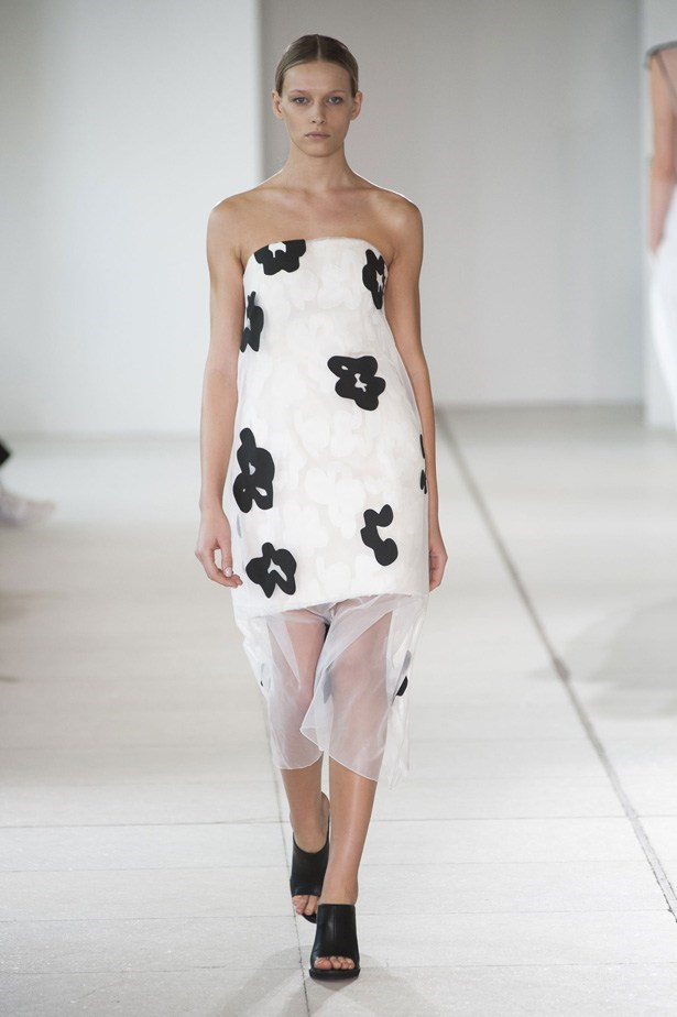 "Issa SS15 <br><br> <a href=""http://www.elle.com.au/runway/ready-to-wear/ss15/2014/9/issa-ss15/"">See Issa's full SS15 runway show here </a>"