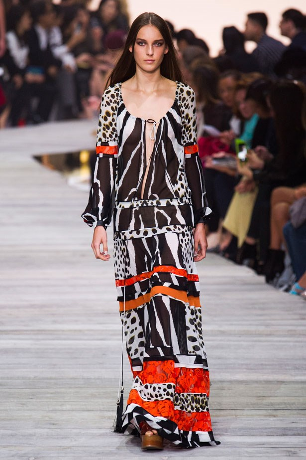 <strong>Designer:</strong> Roberto Cavalli <br> <strong>Collection:</strong> Spring Summer 2015 <br> <strong>Location:</strong> Milan Fashion Week