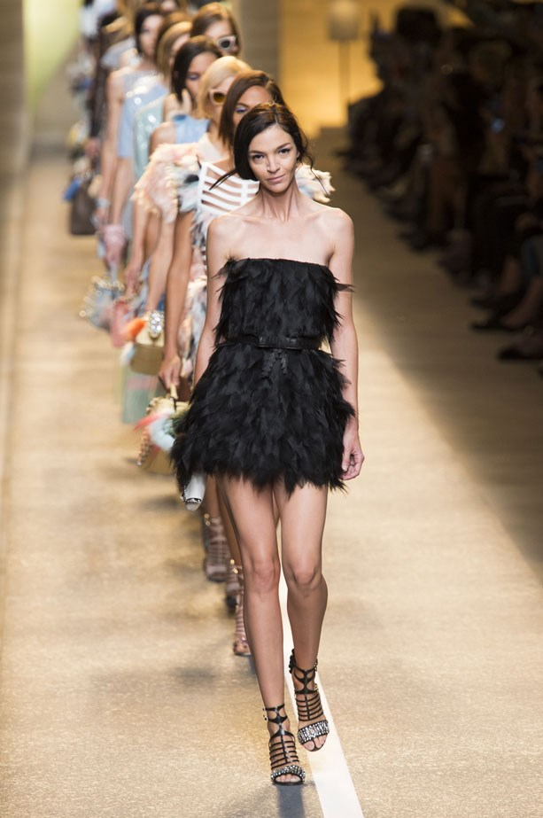 <strong>Designer:</strong> Fendi <br> <strong>Collection:</strong> Spring Summer 2015 <br> <strong>Location:</strong> Milan Fashion Week