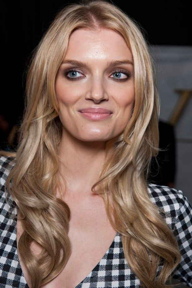 <p><strong>Diane von Furstenberg </strong><p/> <p>Smudged out kohl pencil lined the models upper and lower lashes.<p/>