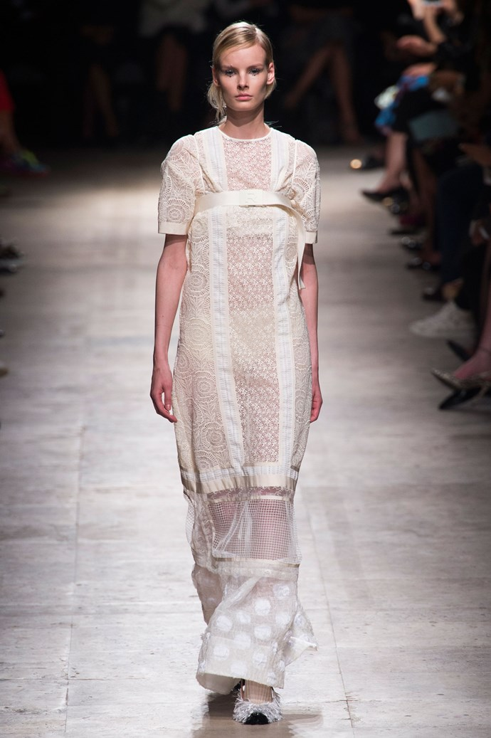 <strong>Designer:</strong> Rochas<br> <strong>Collection:</strong> Spring Summer 2015 <br> <strong>Location:</strong> Paris Fashion Week
