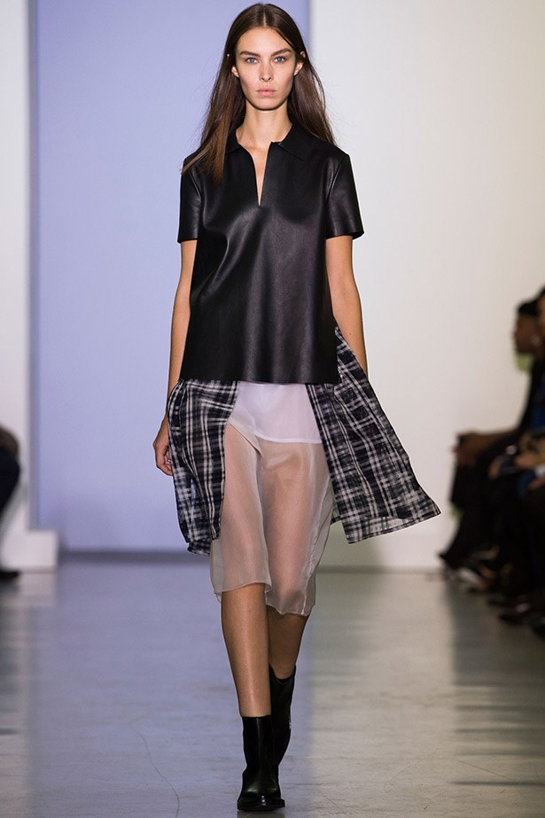 <strong>Name to know: Yang Li</strong><br><BR> Born in China, raised in Perth and educated in London (where he dropped out of Central Saint Martins), Yang Li is the latest hot-property designer to watch thanks to his creative use of tailoring and garment deconstruction.  Only four shows into his career so far, the London-based designer and ex-intern for Raf Simons' hawk-eye for detail has been garnering praise from critics and fashion insiders. Keep an eye on this young talent.