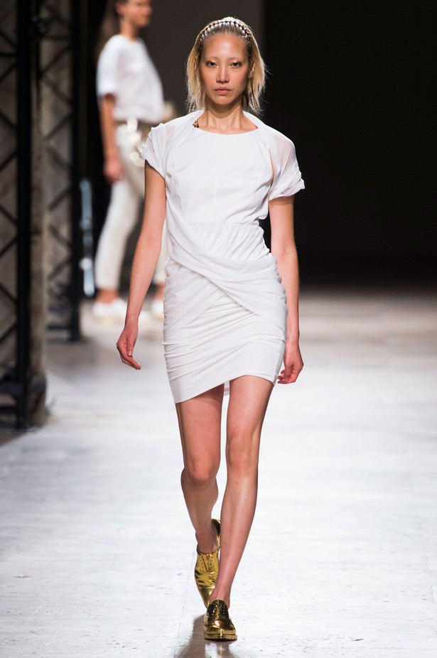 <strong>Designer:</strong>Barbara Bui<br> <strong>Collection:</strong> Spring Summer 2015 <br> <strong>Location:</strong> Paris Fashion Week