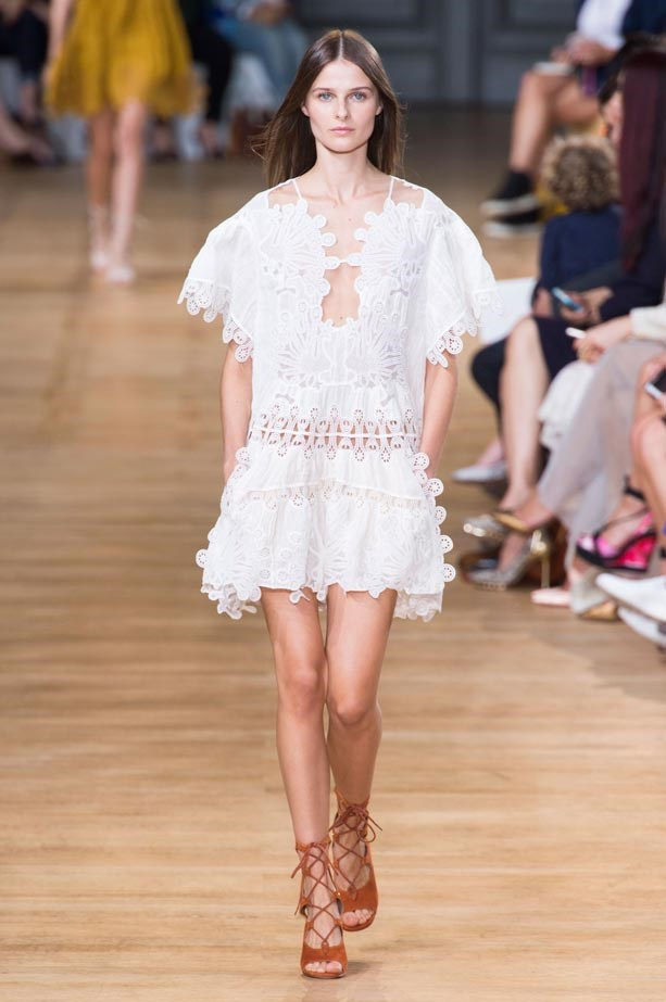 <strong>Designer:</strong> Chloé<br> <strong>Collection:</strong> Spring Summer 2015 <br> <strong>Location:</strong> Paris Fashion Week