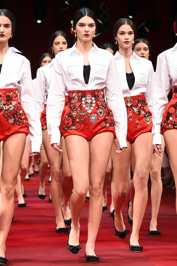 Kendall nabbed a front-and-centre position for Dolce & Gabbana's dramatic SS15 finale.