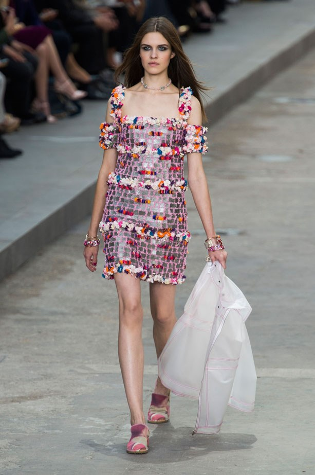 <strong>Designer:</strong> Chanel <br> <strong>Collection:</strong> Spring Summer 2015 <br> <strong>Location:</strong> Paris Fashion Week
