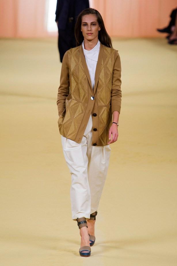 <strong>Designer</strong>: Hermès <br> <strong>Collection:</strong> Spring Summer 2015 <br> <strong>Location:</strong> Paris Fashion Week