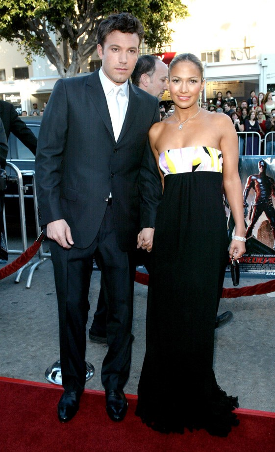 Ben Affleck and Jennifer Lopez at the red carpet premiere of 'Daredevil' in 2003