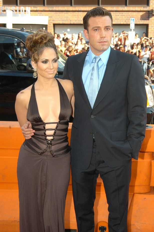 Ben Affleck and Jennifer Lopez at the red carpet premiere of 'Gigli' in 2003