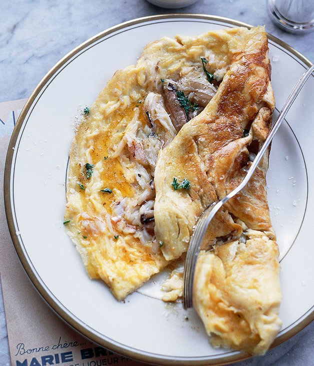 Blue swimmer crab omelette :: Gourmet Traveller