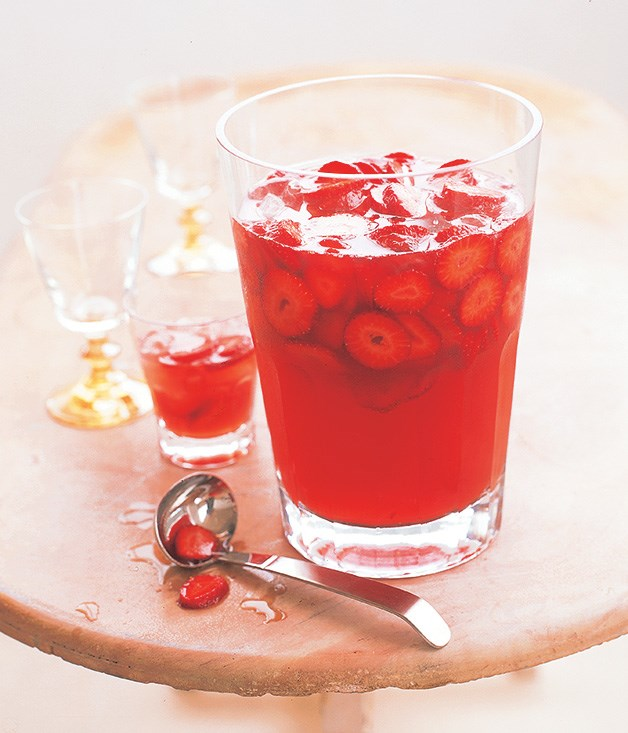 Prosecco, strawberry and peach punch :: Gourmet Traveller