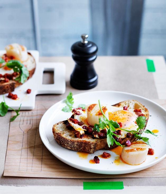 Scallops Chorizo And Fried Eggs On Toast Recipe Momofuku Recipe Gourmet Traveller