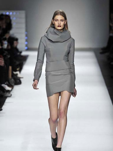 A/W 2009-2010:Hussein Chalayan