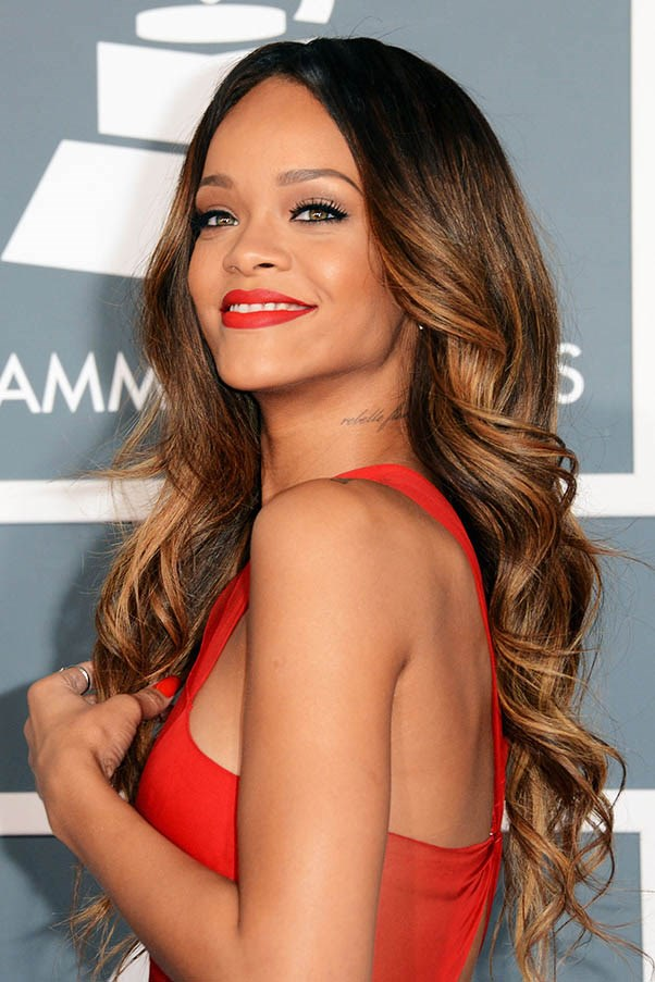 Luscious bronze highlights at The Grammy Awards, February 2013.