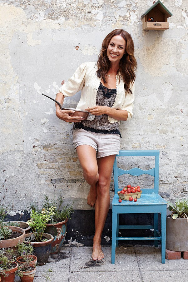 """<strong>Sarah Wilson </strong> <br>Journalist, blogger and author of <em>I Quit Sugar</em> (Pan Macmillan Australia) <br><br>""""When I wake in the morning, the first thing I do is drink a lot of water with lemon juice to up my alkaline intake — this helps to prepare the gut for food. <br><br>""""For breakfast, I have scrambled eggs made with cream or full-fat milk, plus a side serve of spinach. I'll whip up a vegetable smoothie in my Vitamix: cucumber, kale, coconut water, half a lemon or grapefruit, ginger, whatever herbs or other greens I have in my fridge and some Vital Greens powder. Occasionally, I'll pop in half an apple or carrot. I prefer these kind of pureed smoothies over juices because you're retaining the fibre and avoiding that intense sugar hit that comes with juices."""""""