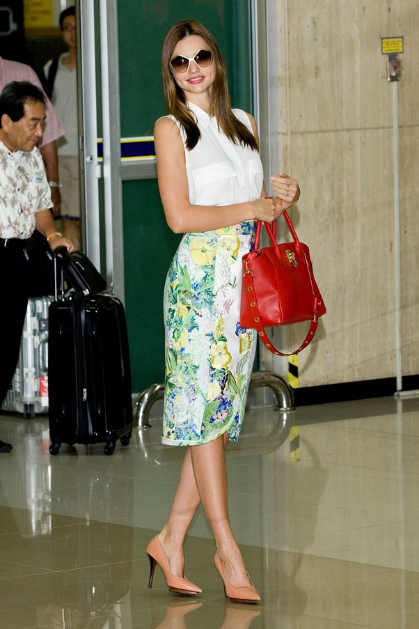 Spring floral at Seoul International Airport in September 2012.
