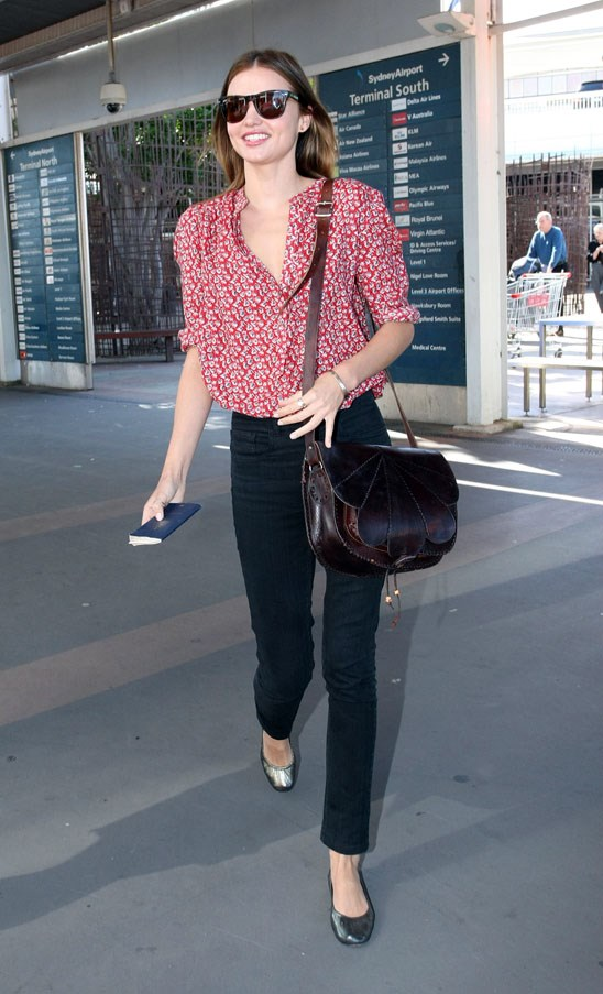 Showcasing her relaxed style at Sydney International Airport in October 2009.