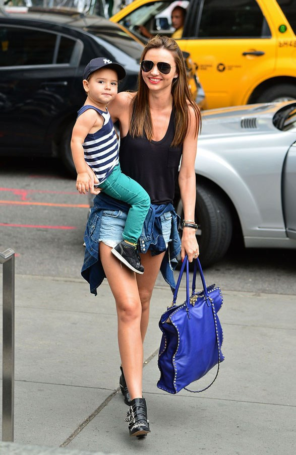 Casual attire on an outing with Flynn in July 2013 in New York.