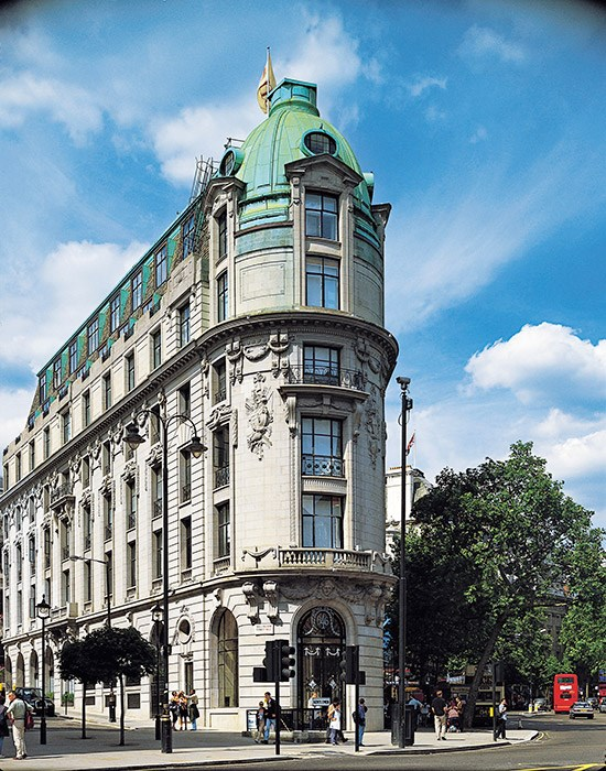 """<strong><a href=""""http://www.lhw.com/hotel/One-Aldwych-London-England"""">One Aldwych</a>, London</strong> <br><br>The British capital is home to countless grand hotels and pioneering boutique boltholes. So where does One Aldwych fit in the mix? It's not quite the English eccentric of Kit Kemp's Firmdale group, nor does it have the overt classicism of, say, The Ritz (although the building was designed by the same architects). It's not trying to be a Royal favourite, such as The Goring, or a modernist's dream, along the lines of its new Norman Foster-designed neighbour, ME London."""