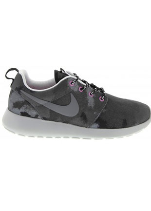 Roshe Run Womens Sneaker by Black