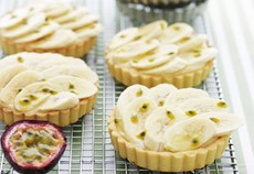 Banana and passionfruit tarts