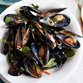 Thai Mussels in a Lemongrass and Coconut Broth