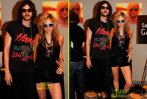 Kesha and Alex at Lollapalooza. Image courtesy Justjared.com