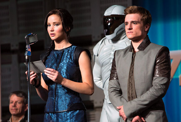 Katniss Everdeen (Jennifer Lawrence) and Peeta Mellark (Josh Hutcherson).