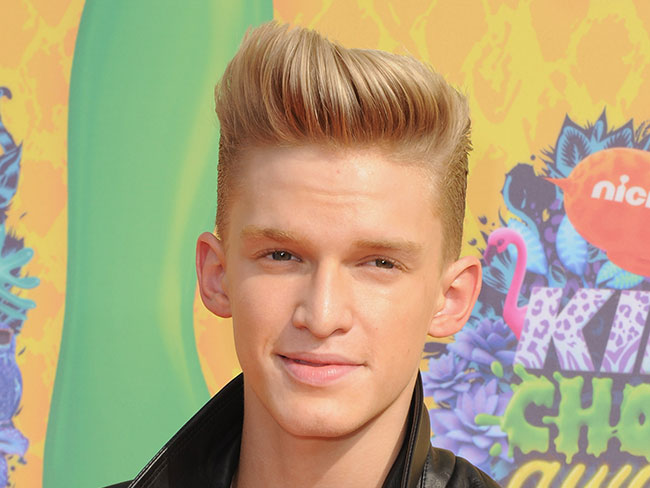 Cody Simpson's 'Surfboard' Video Released!