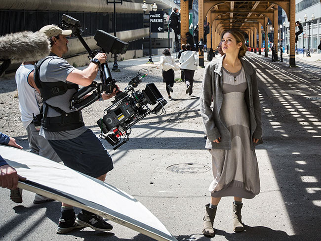 Divergent Behind-The-Scenes