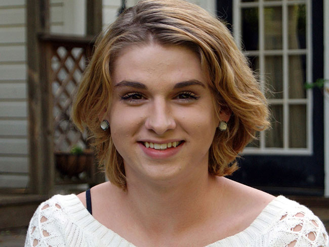 Teen shamed for wearing makeup in his license pic suing