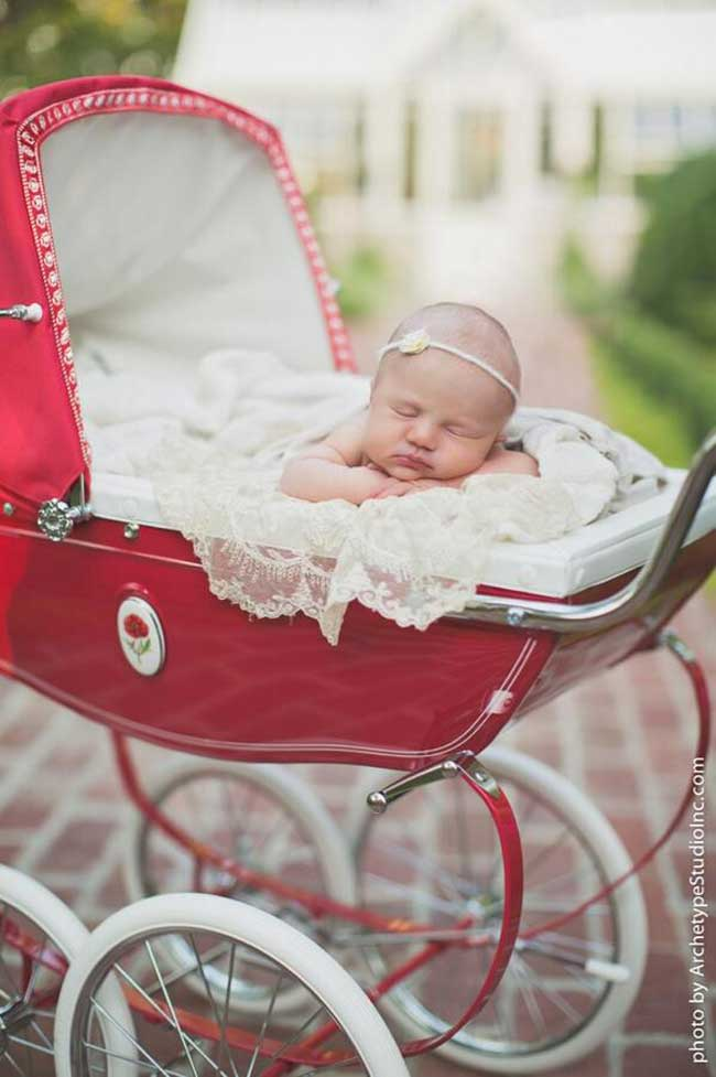 Kelly Clarkson Tweets gorgeous picture of daughter from professional photo shoot