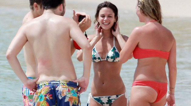 Rachel Bilson shows off her bikini body in Barbados
