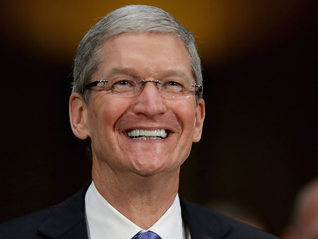 "Apple CEO ""proud to be gay"""