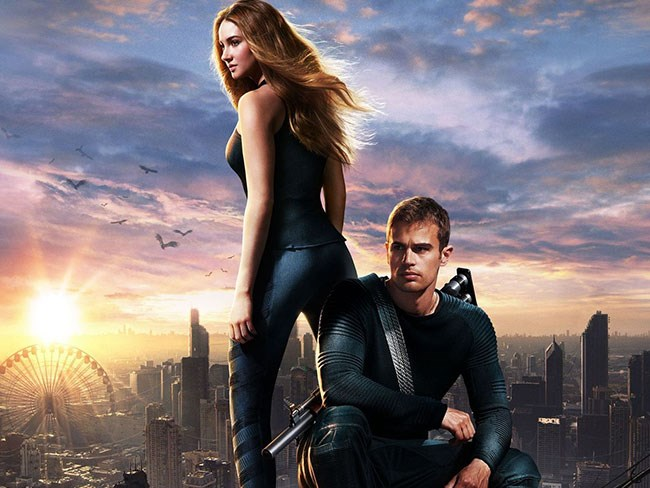 Divergent Insurgent movie posters of Four and Tris : Dolly