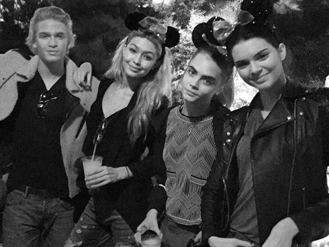 Celebs do Disneyland!