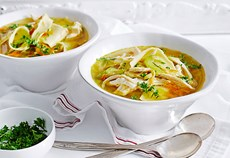 Rag pasta soup with chicken