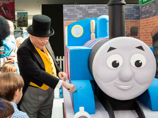 Thomas turns 70