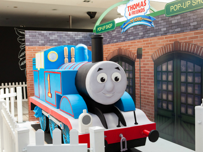 Bert Newton Cuts Giant Thomas the Tank Engine Cake