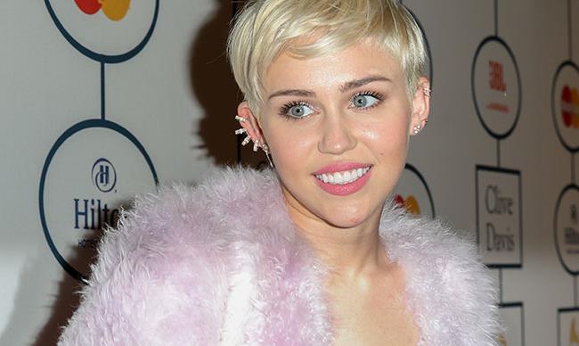 Miley Cyrus vows to never twerk again