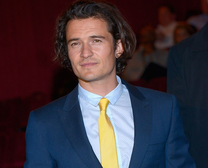 Orlando Bloom was caught on tape showing off his dancing skills (or lack thereof) at a bar in Ibiza...