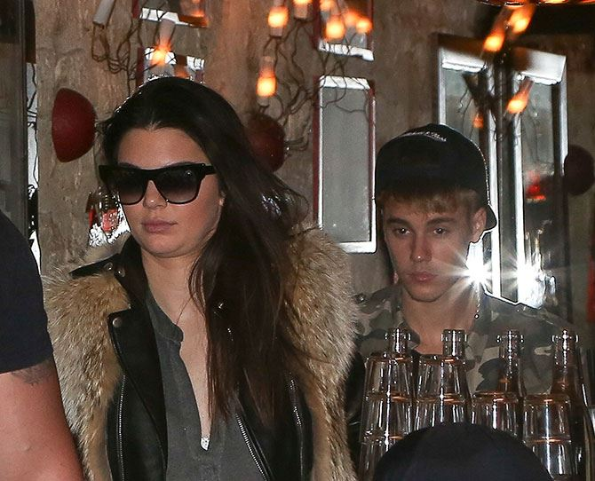 """In September, *E! News* reported that Justin Bieber confirmed his romance with Selena Gomez during a deposition for his assault charges, but it looks like the on-off couple are potentially in an """"off"""" period now. The singer was snapped out on a dinner date with none other than Kendall Jenner last night. #ouch"""