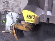 A REMU screening bucket in action.