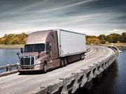 Freightliner Cascadia gets integrated Detroit driveline