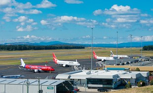 Hobart International Airport. Peterfz30 / Shutterstock.com