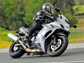Suzuki GSX1250FA test