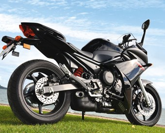 Yamaha FZ6R Review