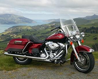 Harley-Davidson FLHR Road King Review
