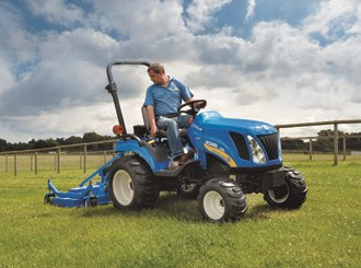 New Holland unveils boomer