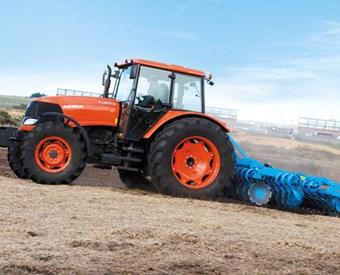 Kubota M135X tractor
